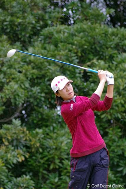 2012年 LPGAツアーチャンピオンシップリコーカップ 初日 李知姫 好調キープです。後半に3つ伸ばしてピッタリ追走してくるあたりはさすがでんがな。