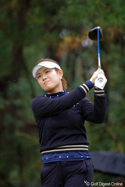 2012年 LPGAツアーチャンピオンシップリコーカップ 初日 キム・ソヒ 最近引越しをして晴れて「芦屋夫人」になられたそうです。その前は私と同区内に住んでたそうです。旦那さんは三宮に出たことないそうです…。11位T