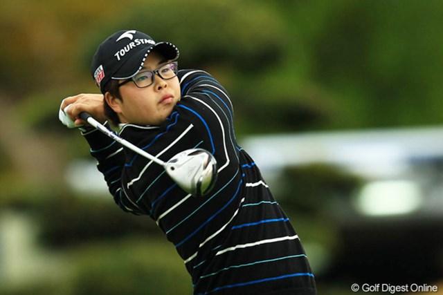 2012年 カシオワールドオープン 2日目 ハン・ジュンゴン ショットが絶好調のハンちゃんは、首位タイをキープです。