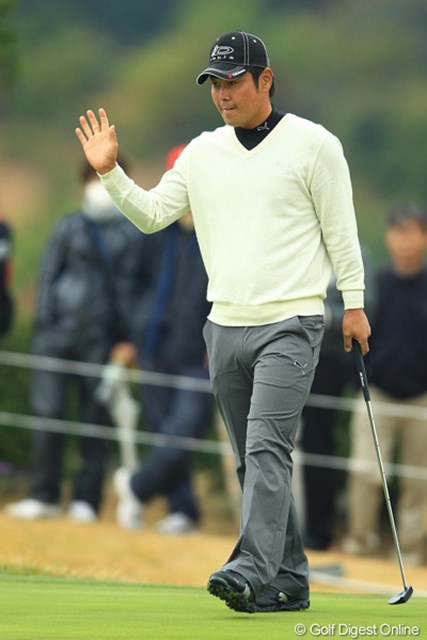 2012年 カシオワールドオープン 2日目 谷原秀人 今年は優勝こそありませんが、本当に安定したゴルフです。7アンダー5位タイ。