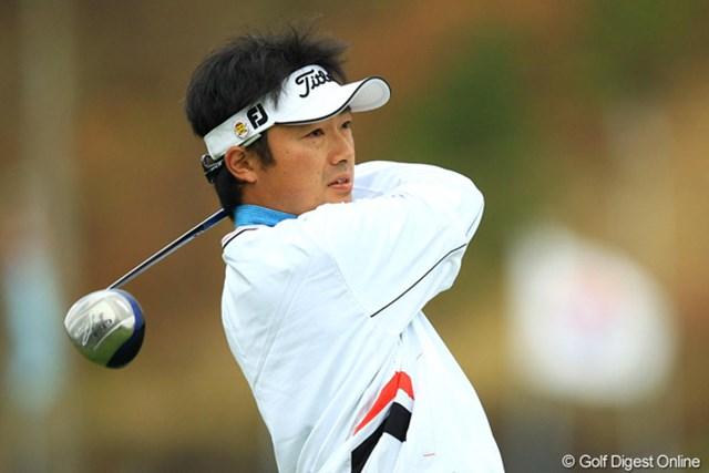 2012年 カシオワールドオープン 2日目 市原弘大 47位タイで予選を通過。現在賞金ランキング72位の当確ライン上。シード権を死守したいところです。