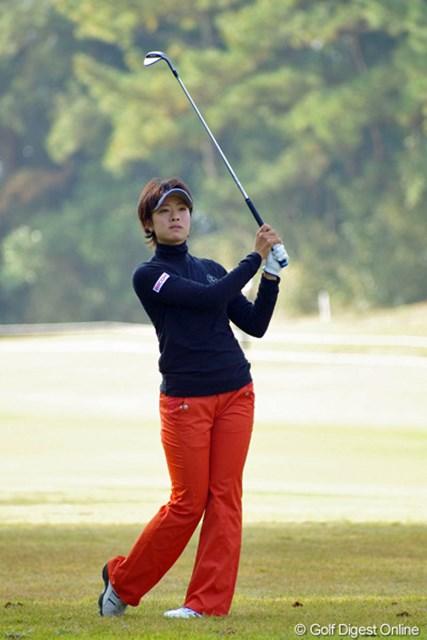 2012年 LPGAツアーチャンピオンシップリコーカップ 3日目 森田理香子 前半がイーブンで、風が強くなってきた後半に3バーディ、ノーボギーと伸ばすやなんて…。69は本日のベストスコアで、ホステス&岡本軍団の面目躍如!7位T