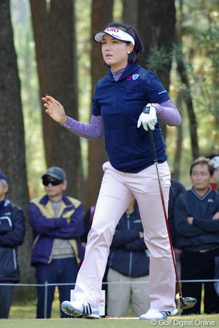 2012年 LPGAツアーチャンピオンシップリコーカップ 3日目 全美貞 3バーディ、3ボギーとしぶとくまとめて、7位タイまで再浮上して来はりました~。しかし首位と8打差では…。