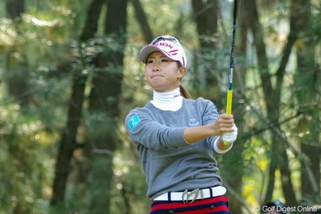 2012年 LPGAツアーチャンピオンシップリコーカップ 3日目 木戸愛 4バーディは立派やワ!力の証明ですワ。しっかし4ボギーに加えての2ダボはあきまへんでェ、2ダボは!何があったんやろねェ…。見てないからわかりまへん。21位T