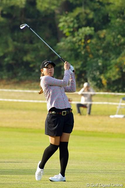 2012年 LPGAツアーチャンピオンシップリコーカップ 3日目 若林舞衣子 順位を大きく上げることはできなかったけど、岡本軍団の名誉にかけて初日の78から72、73とスコアを伸ばしております。今日の73はマズマズやん!