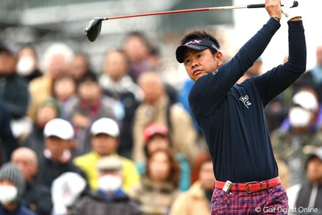 2012年 ゴルフ日本シリーズJTカップ 2日目 藤田寛之 2日連続でノーボギー。大会3連覇を狙う藤田寛之が2位に5打差をつけて2日目を終えた。