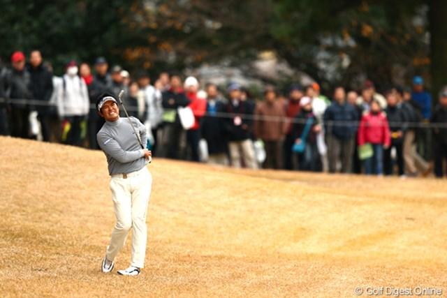 2012年 ゴルフ日本シリーズJTカップ 2日目 武藤俊憲 渾身のセカンドショット、見てやってくださいこの表情。7アンダー3位タイ