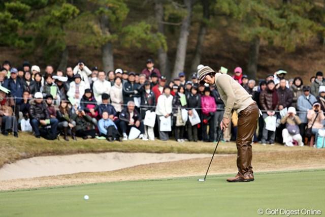 2012年 ゴルフ日本シリーズJTカップ 2日目 石川遼 明日は最終組、土曜日だしギャラリーも大勢引き連れそうだね