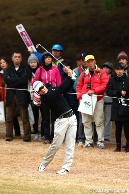 2012年 ゴルフ日本シリーズJTカップ 2日目 キム・キョンテ スコアを伸ばすもトップと6打差、3位タイ