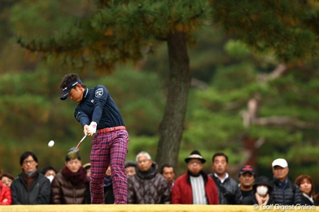 2012年 ゴルフ日本シリーズJTカップ 2日目 藤田寛之 ノーボギーのゲームで13アンダー単独トップ。大会3連覇、賞金王も手の届くところへ