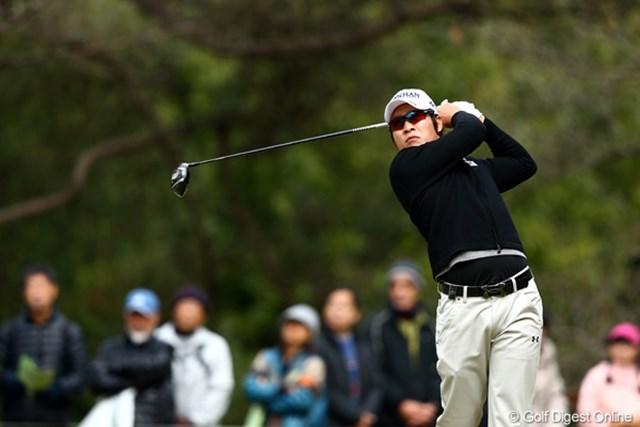 2012年 ゴルフ日本シリーズJTカップ 2日目 キム・キョンテ 開幕から2日間は石川遼と同組でプレー。3日目は最終組のひとつ前から藤田を追いかける。