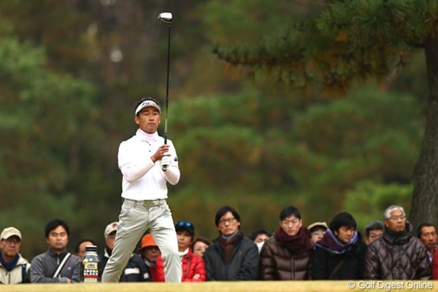 2012年 ゴルフ日本シリーズJTカップ 2日目 久保谷健一 初日3位タイと好発進した久保谷だったが、出入りの激しいゴルフで失速。