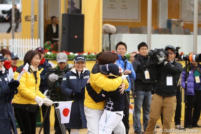 2012年 日韓女子プロゴルフ対抗戦 最終日 小林浩美会長 最終日、躍動する日本選手に大興奮の小林浩美会長