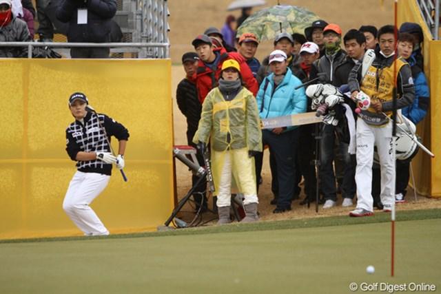 2012年 日韓女子プロゴルフ対抗戦 最終日 茂木宏美 第1組からスタートしたキャプテン茂木。しっかりと勝利をもぎ取ってくれました。
