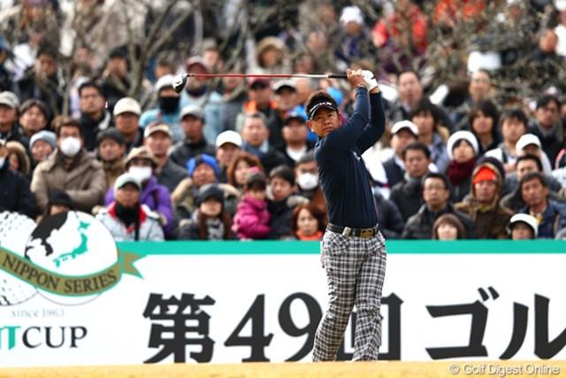 4日間首位を守る完全優勝。藤田寛之は最終戦も実力をいかんなく発揮して賞金王となった。