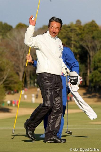 ダブルス戦では不調だった井戸木鴻樹が、シングルス戦で3ポイントを獲得して勝利に貢献