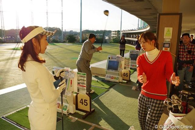 「あまりレッスンするネタはないけど、経験で」という斉藤だが、参加者に丁寧にアドバイスを行っていた。