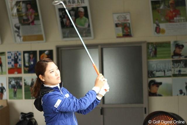 山形酒田の本間ゴルフで来年度に向けたクラブテストを行うリュー・ソヨン