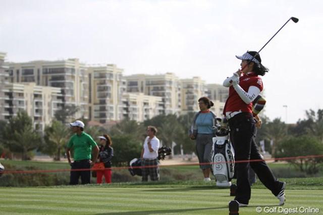 2013年 アブダビHSBCゴルフ選手権 プロアマ戦 風が強かったが、後半はドライバーショットの調子も尻上がり!マナッセロからも「ナイスショット!」の声が。