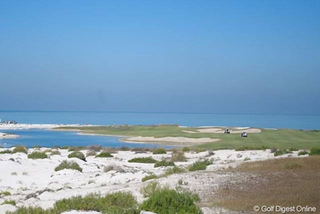 2013年 アブダビHSBCゴルフ選手権 サディヤットビーチGC サディヤットビーチGC。まさに海に面したリゾートコース