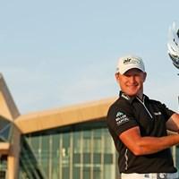 親友のR.ロックの意思を受け継ぎ、タイトルを手にしたJ.ドナルドソン(Getty Images) 2013年 アブダビHSBCゴルフ選手権 最終日 ジェイミー・ドナルドソン
