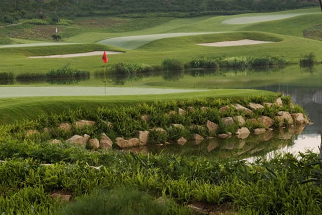 """ジャン・リアン・ウエイコースは、USゴルフマガジンでは""""世界のパー3コースの中で一番""""と称賛されている"""