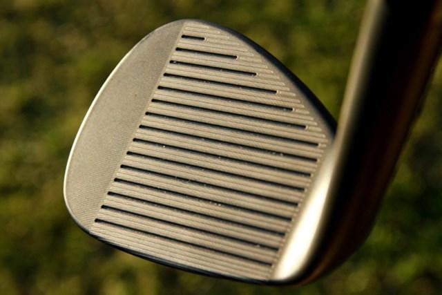 ギアニュース 2013年 PGAマーチャンダイスショー デモデー フェース面全体に指紋のような加工を施しスピン性能アップ