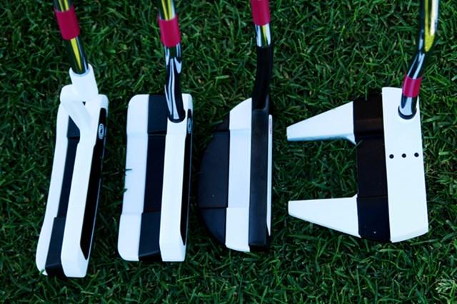 ギアニュース 2013年 PGAマーチャンダイスショー デモデー オデッセイ バーサ パター。フェースと平行に白と黒のラインをサンドイッチ状に配色したことで、アドレス時のアライメントを格段にしやすくしたモデル
