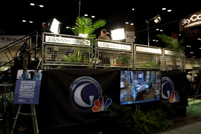 ゴルフチャンネル=ショーの会場内にはゴルフチャンネルがスタジオを開設し、現地からホットな情報を放送している