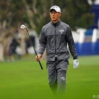 20位から125位へ後退・・・レインウェア姿の石川遼は2試合連続で決勝ラウンド進出を逃した。 2013年 ファーマーズ・インシュランスオープン 2日目 石川遼