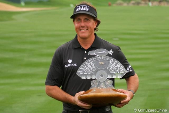 2013年 ウェイストマネジメント フェニックスオープン 最終日 フィル・ミケルソン 「60」をマークした初日から首位を譲らぬ完全優勝。P.ミケルソンが今季初勝利!