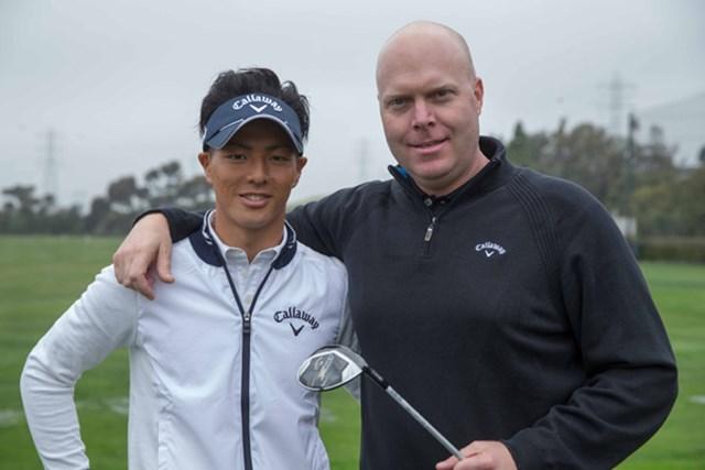 石川遼がキャロウェイのクラブ開発者ルーク・ウィリアムズ氏と3番ウッドのテストを繰り返した