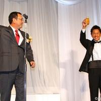 タケ小山氏の「今年も一泡ふかせよう!」というかけ声で乾杯 藤田寛之2012年度賞金王獲得祝賀会