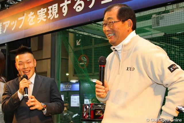 2013年 ジャパンゴルフフェア 藤本佳則 中嶋常幸 58歳の中嶋、23歳の藤本、親子ほども年の差がある二人が漫才のようなトークを披露した