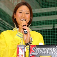 オフにはおしりの筋肉強化をテーマにトレーニングを積んだ木戸愛 2013年 ジャパンゴルフフェア 木戸愛