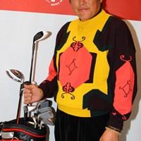 ニュークラブを手に今年もレギュラーツアーで優勝目指すよと笑顔。  2013年 ジャパンゴルフフェア 尾崎将司