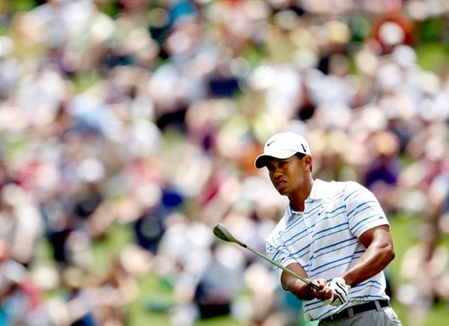 2009年 マスターズ 3日目 タイガー・ウッズ ショット・パットともに精細を欠いたタイガー・ウッズは首位と7打差で最終日を迎える(Jamie Squire/Getty Images)