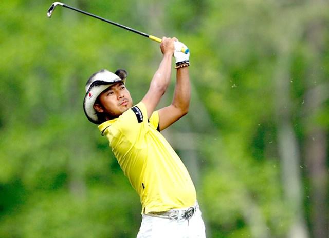 2009年 マスターズ 3日目 片山晋呉 12番でティショットを放つ片山晋呉。ショットが冴え、安定感のあるゴルフを続ける(Jamie Squire/Getty Images)