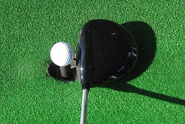 新製品レポート 「ドライバーもぶっ飛び?」キャロウェイ X HOT ドライバー 丸形で安心感のあるヘッド
