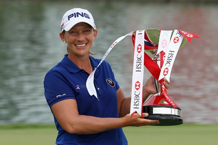 ディフェンディングチャンピオンのA.スタンフォード。4人によるプレーオフを制した。(Andrew Redington/Getty Images) 2013年 HSBC女子チャンピオンズ 事前情報 アンジェラ・スタンフォード