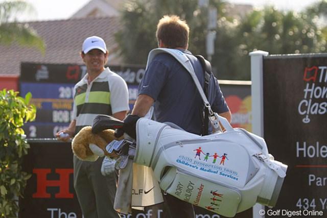 2013年 ザ・ホンダクラシック 事前 ロリ-・マキロイ 今週はこのキャディバッグ。実際オークションに掛けられ、チャリティへと流れていく。