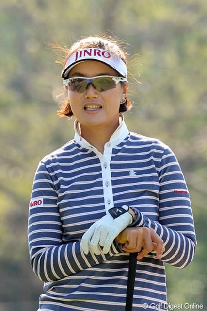 2013年 ダイキンオーキッドレディスゴルフトーナメント 事前 全美貞 永久シード獲得が夢だと話す全美貞。2年連続女王獲得に向けたシーズンを迎える