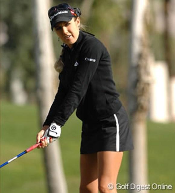 2007年 クラフトナビスコチャンピオンシップ 事前情報 ナタリー・ガルビス 短めのスカートが良く似合うナタリー・ガルビス