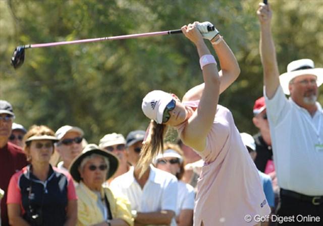 2007年 クラフトナビスコチャンピオンシップ 2日目 ポーラ・クリーマー ポーラ独特のスイング。心なしか、初日より頭の下がりが小さい!?