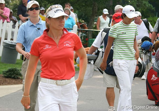 2007年 全米女子オープン 初日 アニカ・ソレンスタム プレー再開の知らせを聞き、準備のためにクラブハウスから出てきたアニカ・ソレンスタム