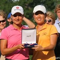 2位として一緒に表彰されたロレーナ・オチョアとアンジェラ・パーク 2007年 全米女子オープン 最終日 ロレーナ・オチョア アンジェラ・パーク