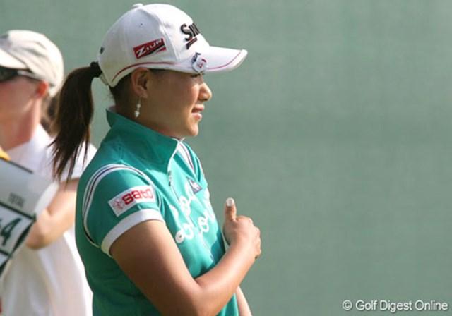 2007年 全米女子オープン 最終日 横峯さくら 最終日は7時30分に再開。ホールアウトするときも、まだ朝日がまぶしかった