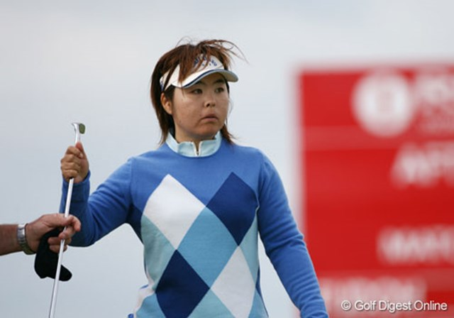 2007年 全英リコー女子オープン 初日 不動裕理 日本勢ではもっとも遅いスタートとなった不動裕理。午後スタートで苦しむ選手が多い中、後半巻き返し1オーバーフィニッシュ