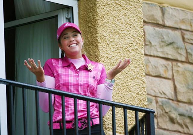 2007年 全英リコー女子オープン 最終日 ポーラ・クリーマー オールドコースホテルに宿泊しているポーラ・クリーマー。最終組のプレーをテラスから観戦中
