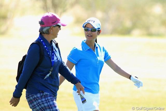 2013年 RRドネリー LPGA ファウンダーズカップ 事前 宮里藍&リン・マリオット 開幕前日のプロアマ戦に出場した宮里藍。コーチのリン・マリオットが同伴した